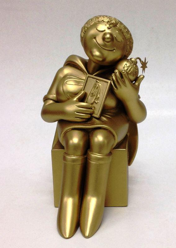 A cada ano, a estatueta do troféu homenageia um personagem brasileiro. Neste ano, o artista plástico Olintho Tahara esculpiu a Super-Mãe, personagem de Ziraldo.